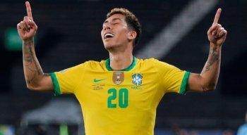 Com dificuldade, Brasil vira no último minuto pra cima da Colômbia e mantém os 100% na Copa América