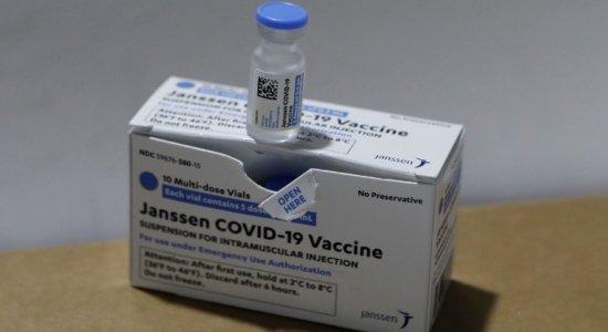 Vacina da Janssen: 1º lote chega a Pernambuco; veja quais cidades receberão as doses e como será divisão