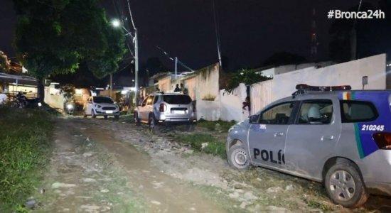 Homens armados invadem casa e matam jovem de 19 anos em Jardim Fragoso, Olinda