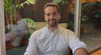 Eduardo Leite assumiu homossexualidade em entrevista ao jornalista Pedro Bial