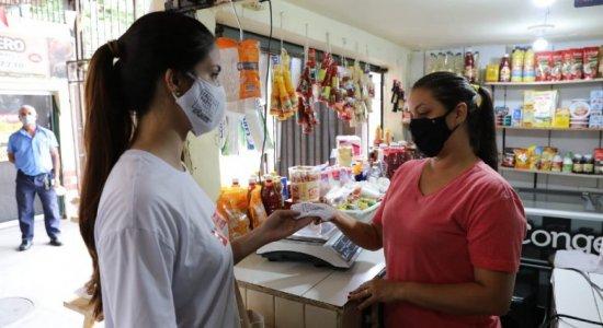 SJCC distribui máscaras a trabalhadores do Mercado de Casa Amarela, no Recife
