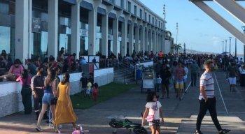 Recife Antigo ficou lotado no domingo (4)
