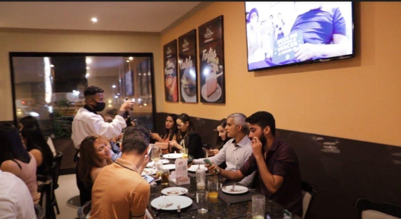 Ação em comemoração ao dia do hospital levou profissionais de saúde para um jantar