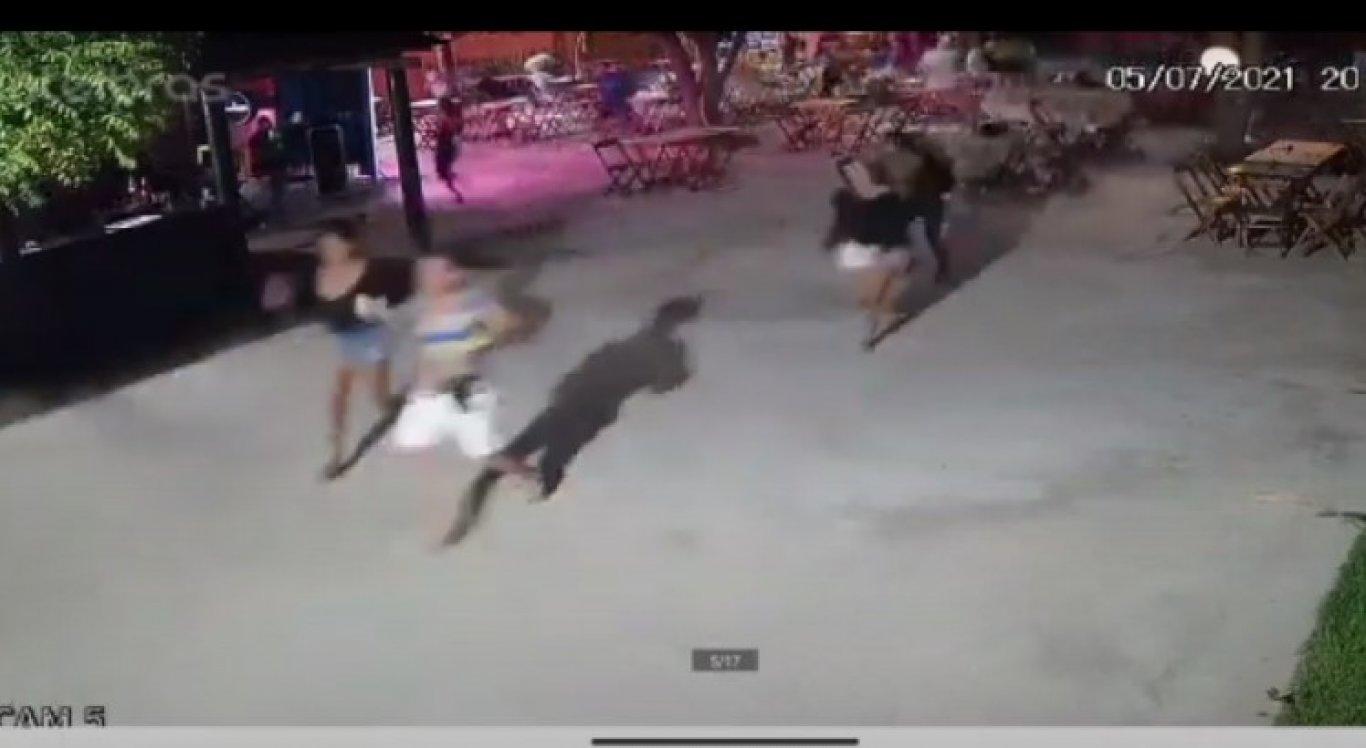 Clientes correm com medo dos tiros
