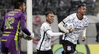Corinthians encara a Chapecoense, na Arena Condá, pelo Brasileirão
