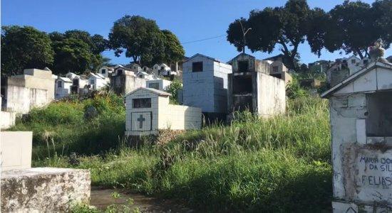 Cemitérios de Jaboatão completamente abandonados: veja no Meio-Dia