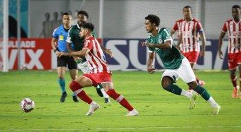 Náutico venceu o Goiás em pleno estádio da Serrinha, em Goiânia