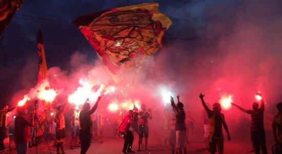 Torcedores do Sport protestam na Ilha do Retiro e Nelo Campos pode voltar a ser elegível; veja os detalhes