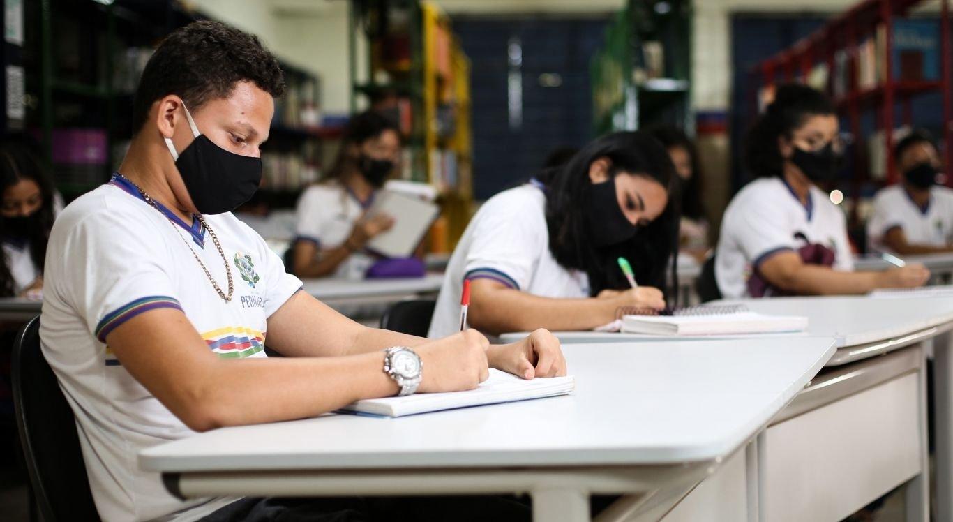 As vagas são para cursos de inglês, espanhol e francês