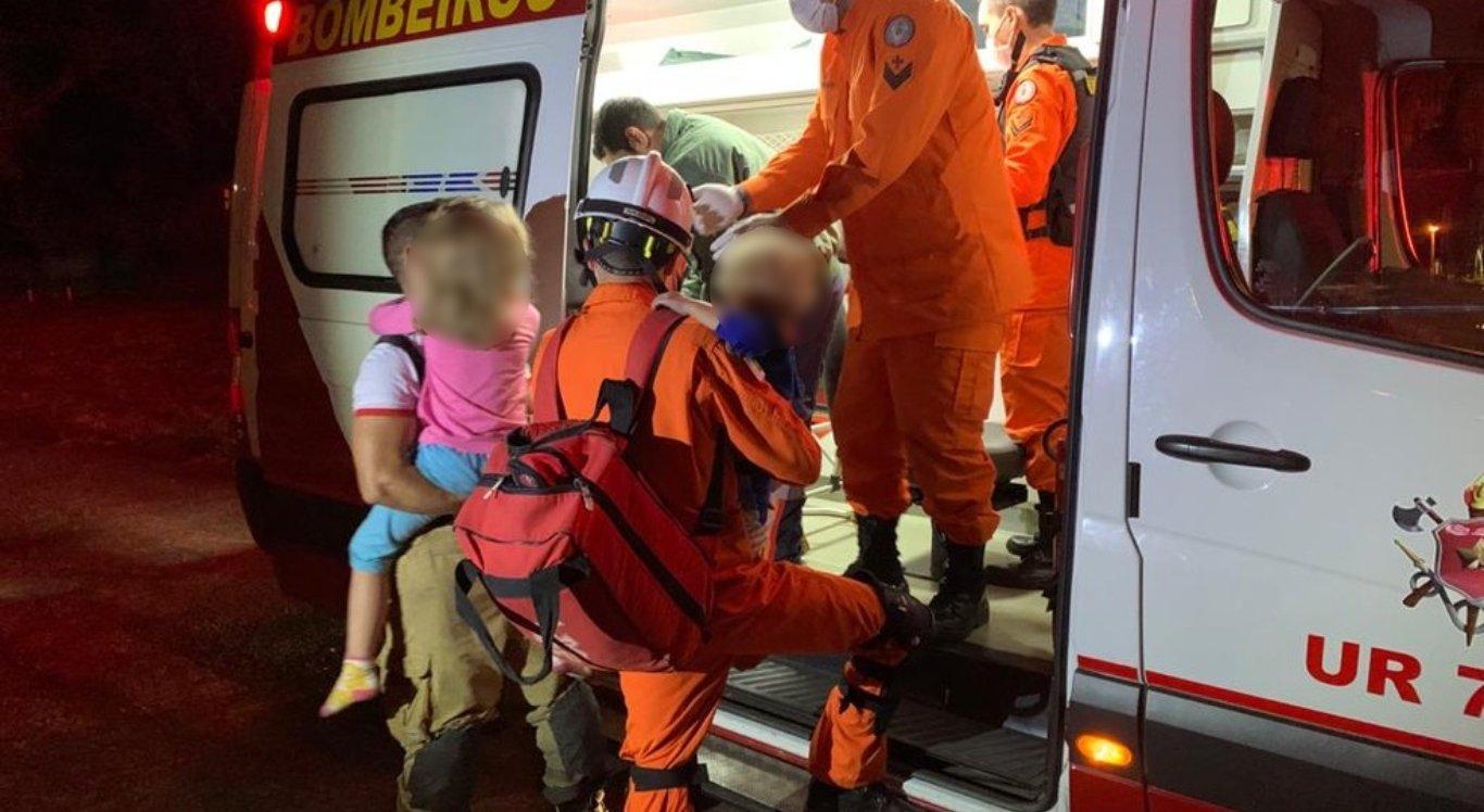 Bombeiros salvam vítimas de incêndio