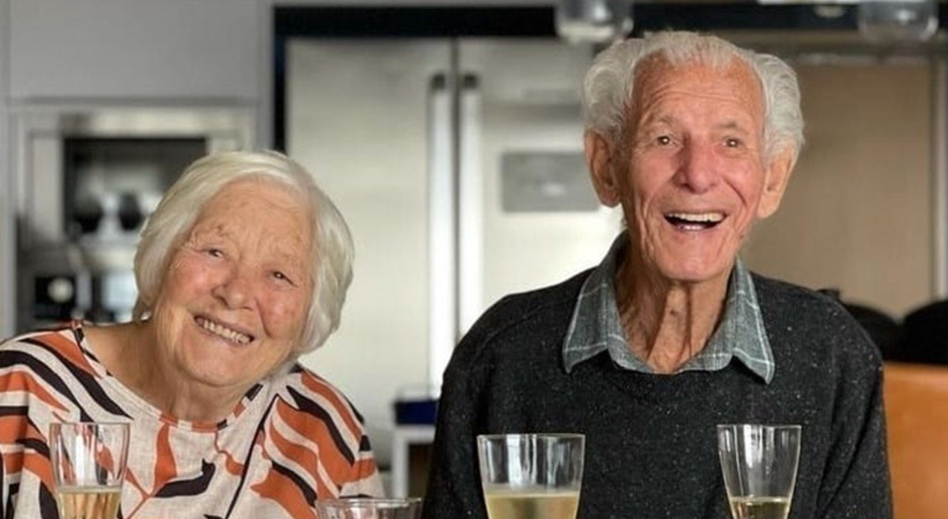 Nelson Miolaro e a mulher, Nair Donadelli, ficaram conhecidos como Vovôs TikTokers