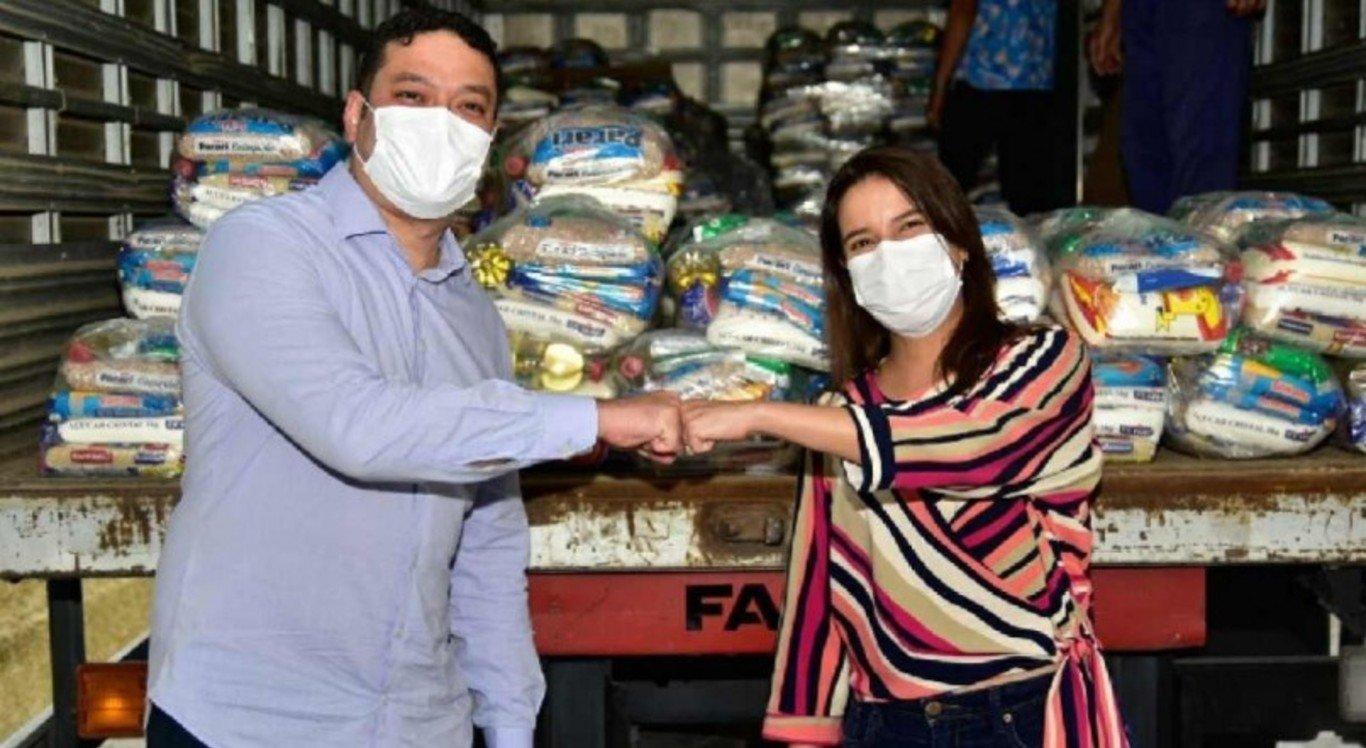 Carlos Humberto e Raquel Lyra entregam doações do SJCC ao Transforma Caruaru