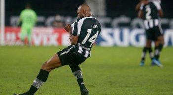 Botafogo encara o Brusque, pela Série B