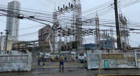Curto-circuito em subestação da Celpe deixa bairros do Recife sem energia elétrica; saiba quais e previsão para resolver