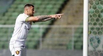 Paulinho Moccelin marcou o gol da vitória do Sport