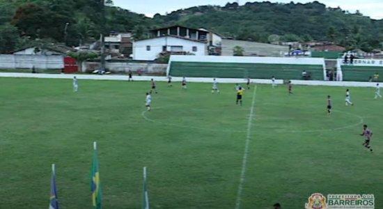 Até a base? Com gol de Carlinhos Bala, Santa Cruz perde amistoso para a Seleção de Barreiros