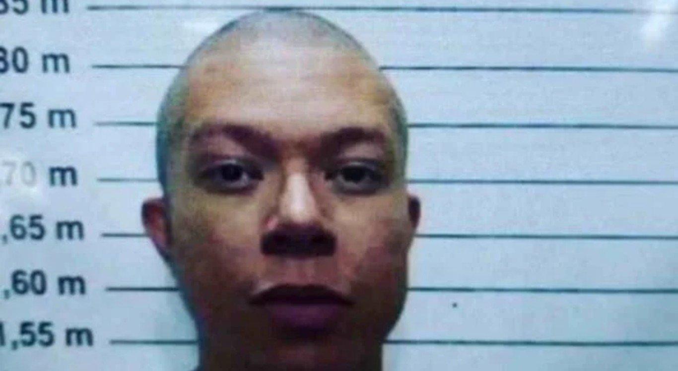DJ Ivis teve o cabelo raspado na prisão