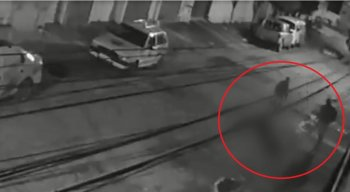 Câmera de segurança mostrou o momento do homicídio na Iputinga, na Zona Oeste do Recife