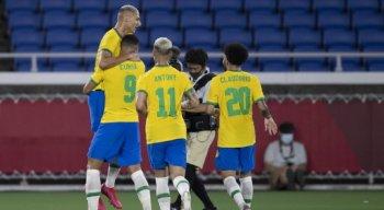 Richarlison fez três gols no primeiro tempo contra a Alemanha