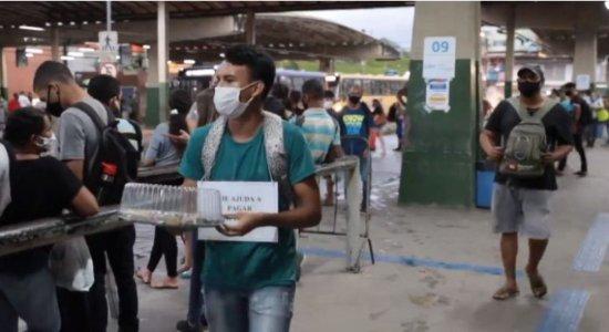 Jovem que precisa de ajuda faz Ciro Bezerra comprar brigadeiros ao vivo