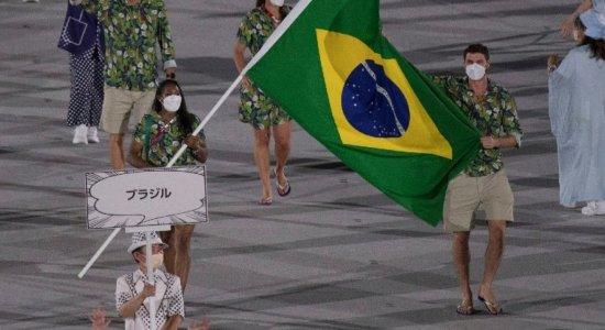Entenda por que o Brasil desfilou na abertura das Olimpíadas 2021 com apenas quatro pessoas