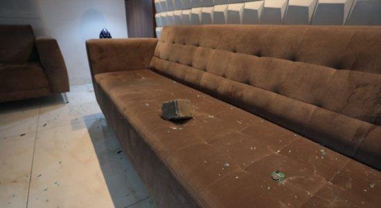 Escritório de André Frutuoso, vice-presidente do Santa Cruz, foi alvo de vandalismo no Recife