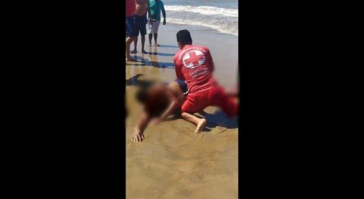 Homem atacado por tubarão na praia de Piedade pede ajuda para comprar remédios