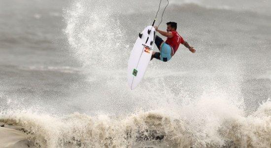 Com aéreo sensacional e maior nota das Olimpíadas, Ítalo Ferreira avança às semifinais de torneio olímpico de surfe