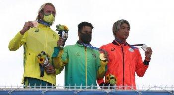 Kanoa Igarashi derrotou Gabriel Medina na semifinal, mas perdeu o ouro olímpico para Ítalo Ferreira