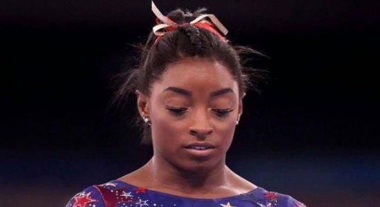 Simone Biles coloca saúde mental em 1º lugar e expõe pressão sofrida pelos atletas