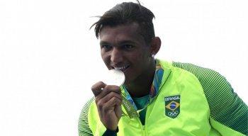 Isaquias Queiroz conquistou duas medalhas de prata e uma de bronze nos Jogos Olímpicos do Rio