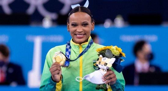 Olimpíadas de Tóquio: em novo show, Rebeca Andrade conquista o ouro na final do salto da ginástica