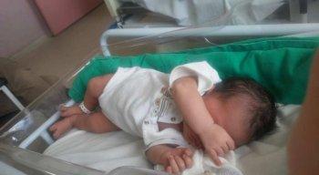 O bebê ganhou o nome de José Luz da Conceição. Ele nasceu no Hospital Barão de Lucena, na Zona Oeste do Recife
