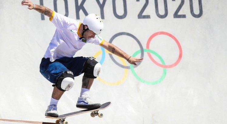 VÍDEOS: Pedro Barros conquista prata no skate park e movimenta quadro de medalhas das Olimpíadas; veja apresentação e tabela atualizada