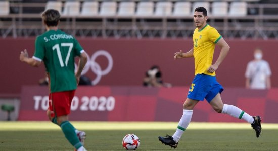 Conheça a história de Nino, zagueiro pernambucano que conquistou a medalha de ouro com a seleção brasileira