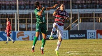 Pipico foi o autor de um dos gols do Santa Cruz na vitória contra o Floresta-CE.
