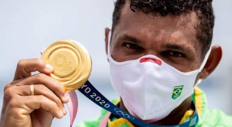 Ele prometeu e cumpriu! Isaquias Queiroz conquistou o ouro na canoagem de velocidade