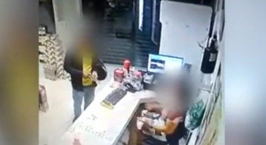 O homicídio foi flagrado por uma câmera de segurança em Cabrobó