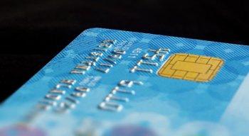 Funcionário de farmácia suspeito de aplicar golpe em cartões de crédito de idosos