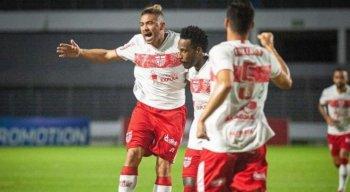 CRB vence o Brusque por 3x0, no estádio Rei Pelé