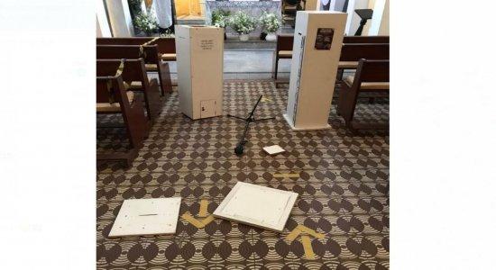 Criminosos arrombam Igreja de Santa Terezinha, no Derby, e furtam objetos da capela