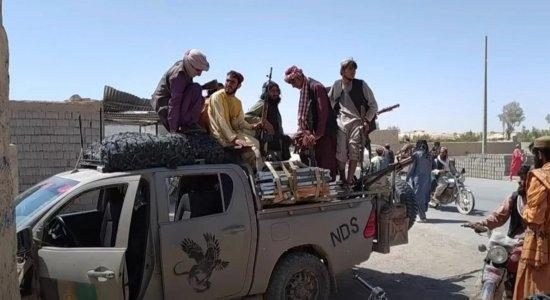 O que está acontecendo no Afeganistão hoje: retorno de líder extremista, evacuações e censura. Veja as últimas notícias sobre o domínio do Talibã