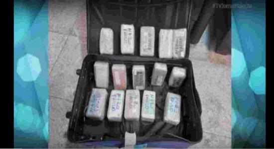 Polícia Federal apreende mais de 70 celulares sem nota fiscal no Aeroporto Internacional do Recife