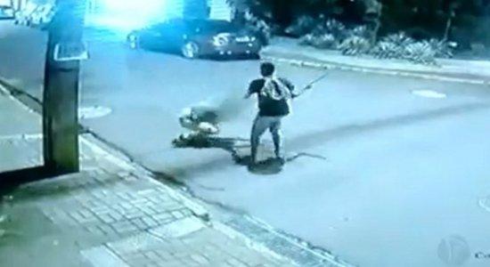 Suspeito de esfaquear turista carioca em Boa Viagem é preso pela polícia
