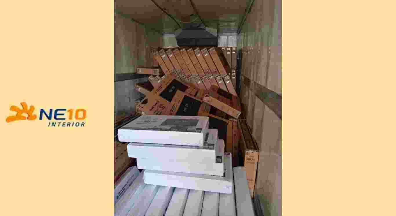 Carga roubada de 160 TVs é recuperada dentro de caminhão frigorífico