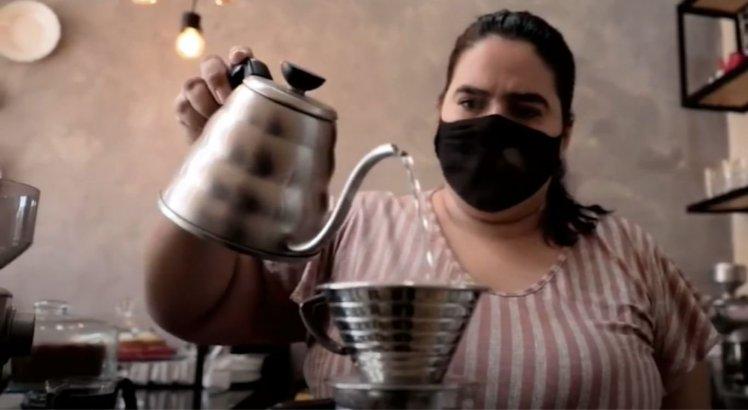 A empresária Mylena Arnóbio, aproveitou a oportunidade da procura do grão para comprar na cidade e abriu uma cafeteria