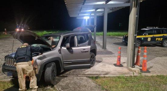Casal de namorados é detido com maconha e carro roubado na Mata Sul de Pernambuco