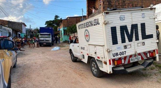 Idosa morre após ser atropelada por caminhão que carregava cervejas em Olinda