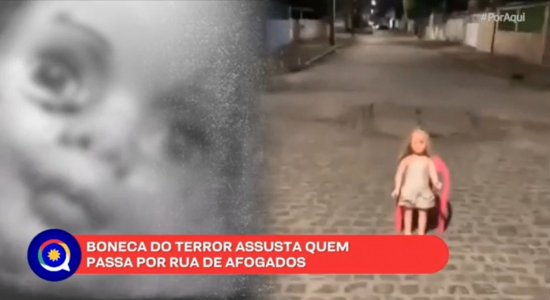 Boneca do Terror: Ela pisca o olho? Moradores de Afogados se divertem; assista