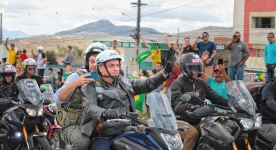 Confira fotos e vídeos da motociata de Bolsonaro no Agreste de Pernambuco, neste sábado (4)